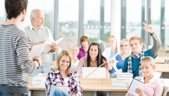 Konstruktywna relacja nauczyciela z rodzicami uczniów